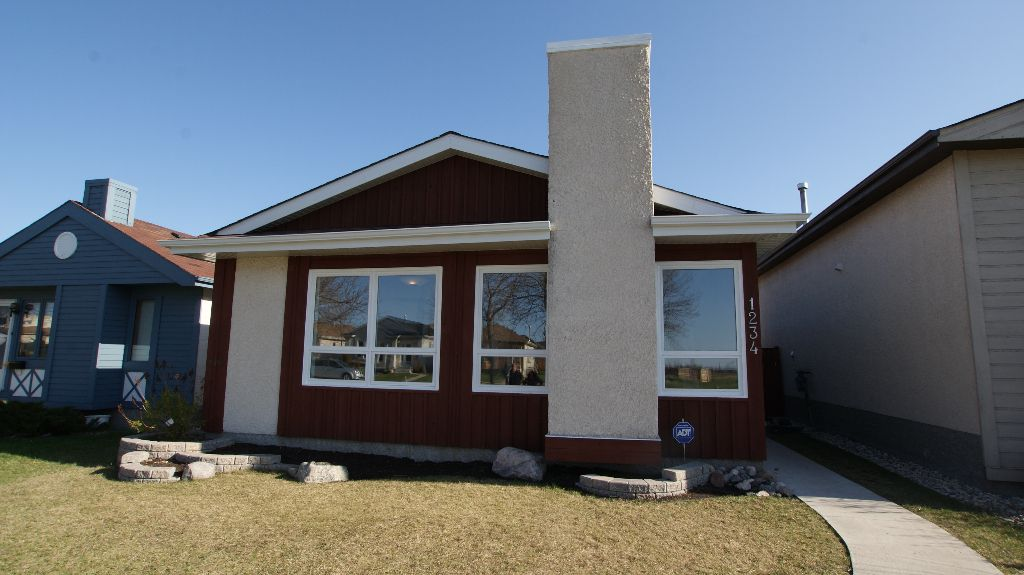 Main Photo: 1234 Devonshire Drive W in Winnipeg: Transcona Residential for sale (North East Winnipeg)  : MLS®# 1209108