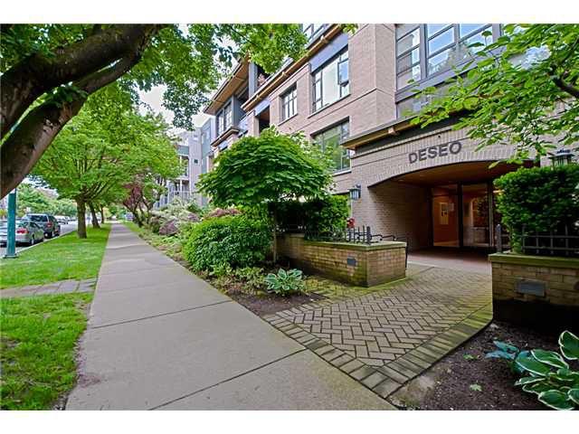 Main Photo: # 107 2226 W 12TH AV in Vancouver: Kitsilano Condo for sale (Vancouver West)  : MLS®# V959972