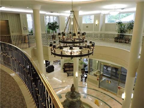 Main Photo: 711 35 Kingsbridge Garden Circle in Mississauga: Hurontario Condo for sale : MLS®# W3220154