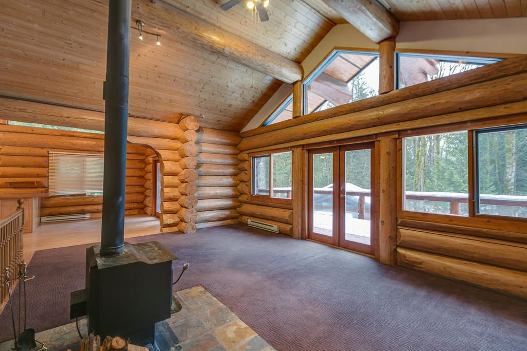 "Main Photo: 2020 PARADISE VALLEY Road in Squamish: Paradise Valley House for sale in ""Paradise Valley"" : MLS®# R2131666"