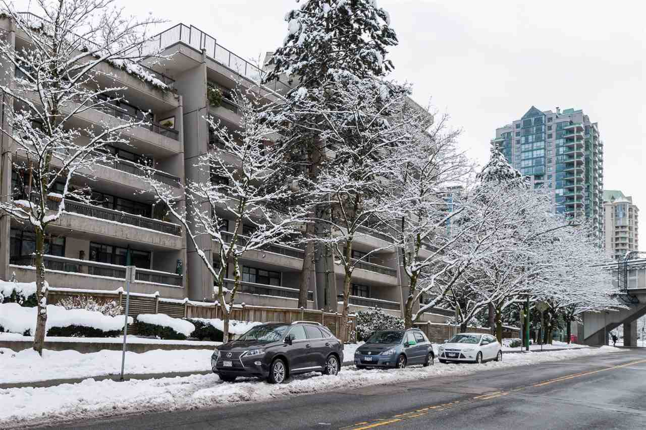 Main Photo: 206 5932 PATTERSON Avenue in Burnaby: Metrotown Condo for sale (Burnaby South)  : MLS®# R2137892