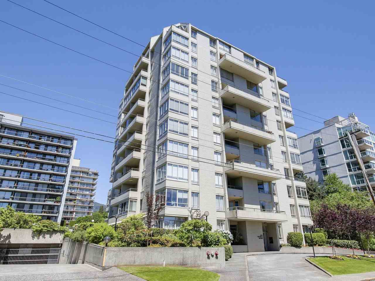 """Main Photo: 201 1485 DUCHESS Avenue in West Vancouver: Ambleside Condo for sale in """"The Mermaid"""" : MLS®# R2181837"""