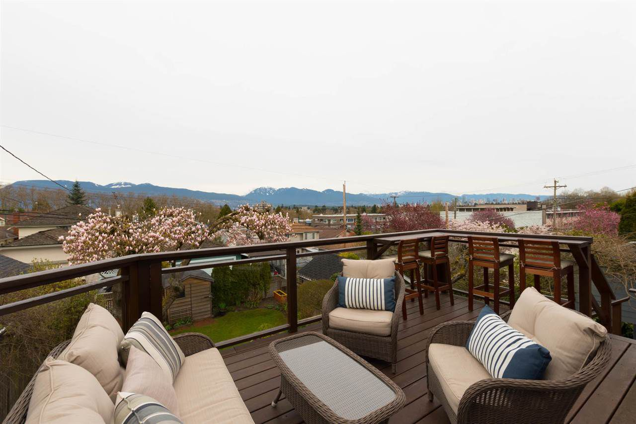 200 SF view balcony that was completely re-built in 2016.