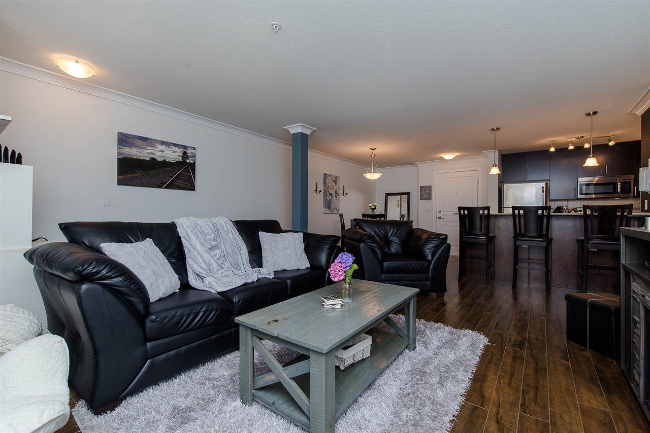 """Main Photo: 204 45665 PATTEN Avenue in Chilliwack: Chilliwack W Young-Well Condo for sale in """"Sierra Grand"""" : MLS®# R2299864"""