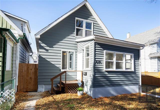Main Photo: 876 Burnell Street in Winnipeg: Residential for sale (5C)  : MLS®# 1827925