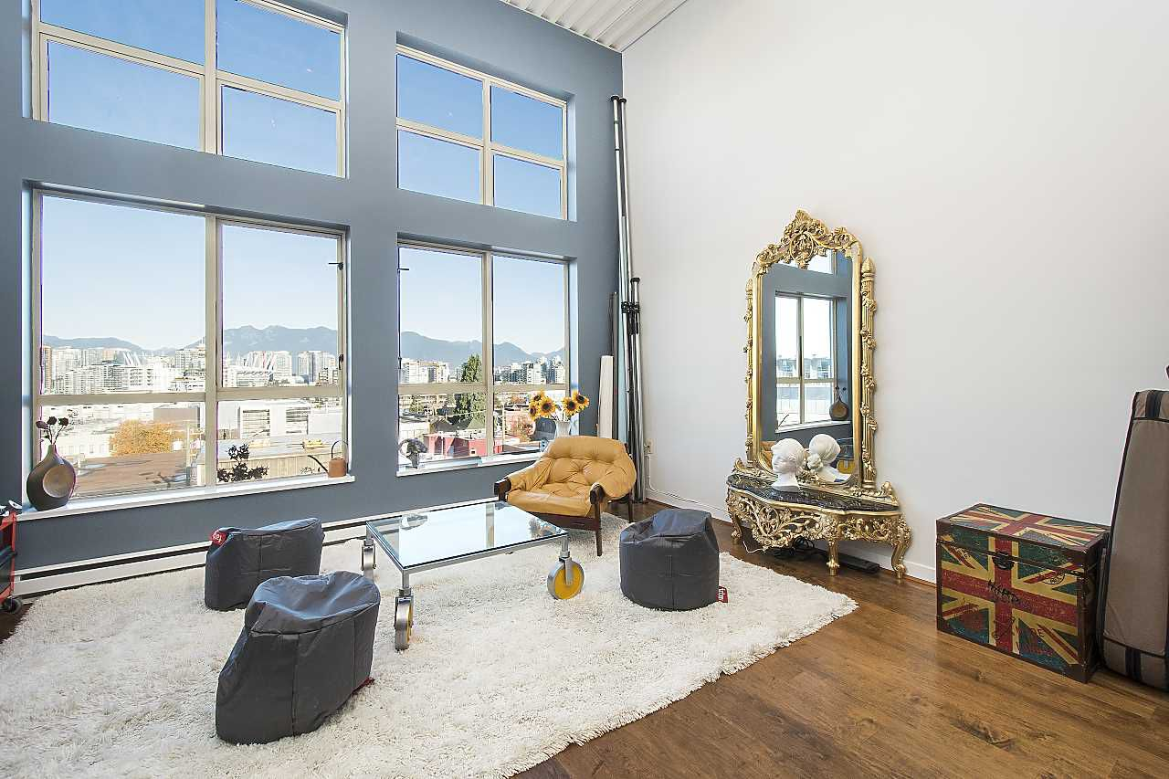 Main Photo: 401 338 W 8TH Avenue in Vancouver: Mount Pleasant VW Condo for sale (Vancouver West)  : MLS®# R2329891