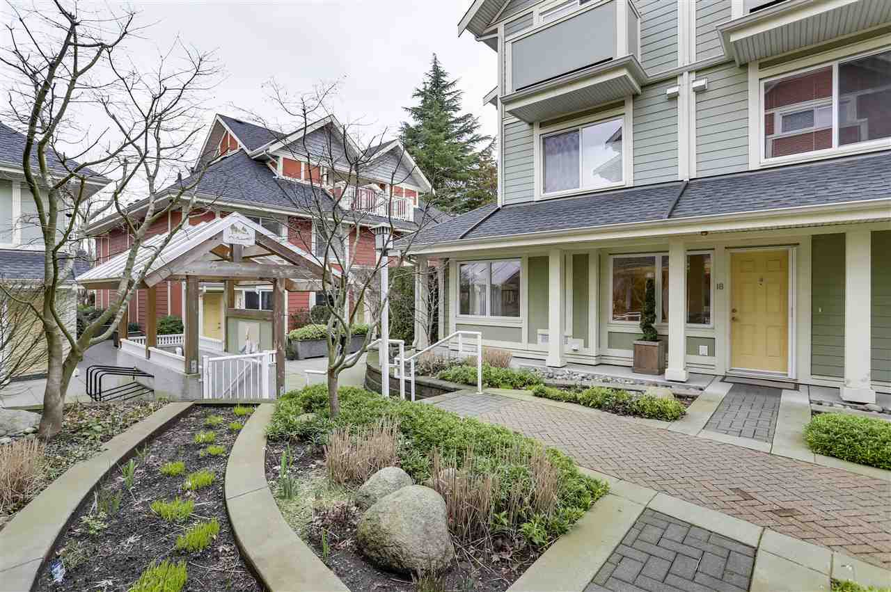 "Main Photo: 18 339 E 33RD Avenue in Vancouver: Main Townhouse for sale in ""WALK TO MAIN"" (Vancouver East)  : MLS®# R2336121"