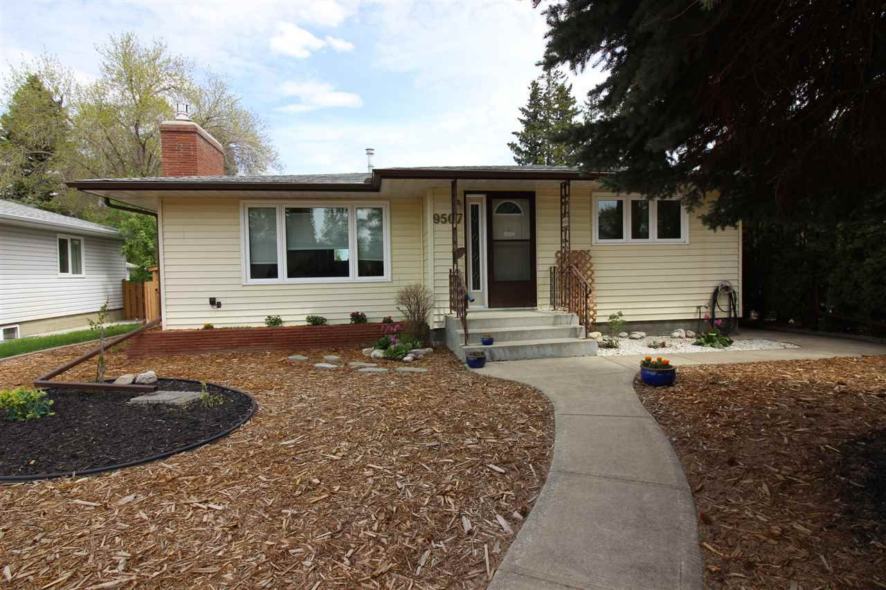 Main Photo: 9507 69A Street in Edmonton: Zone 18 House for sale : MLS®# E4157591