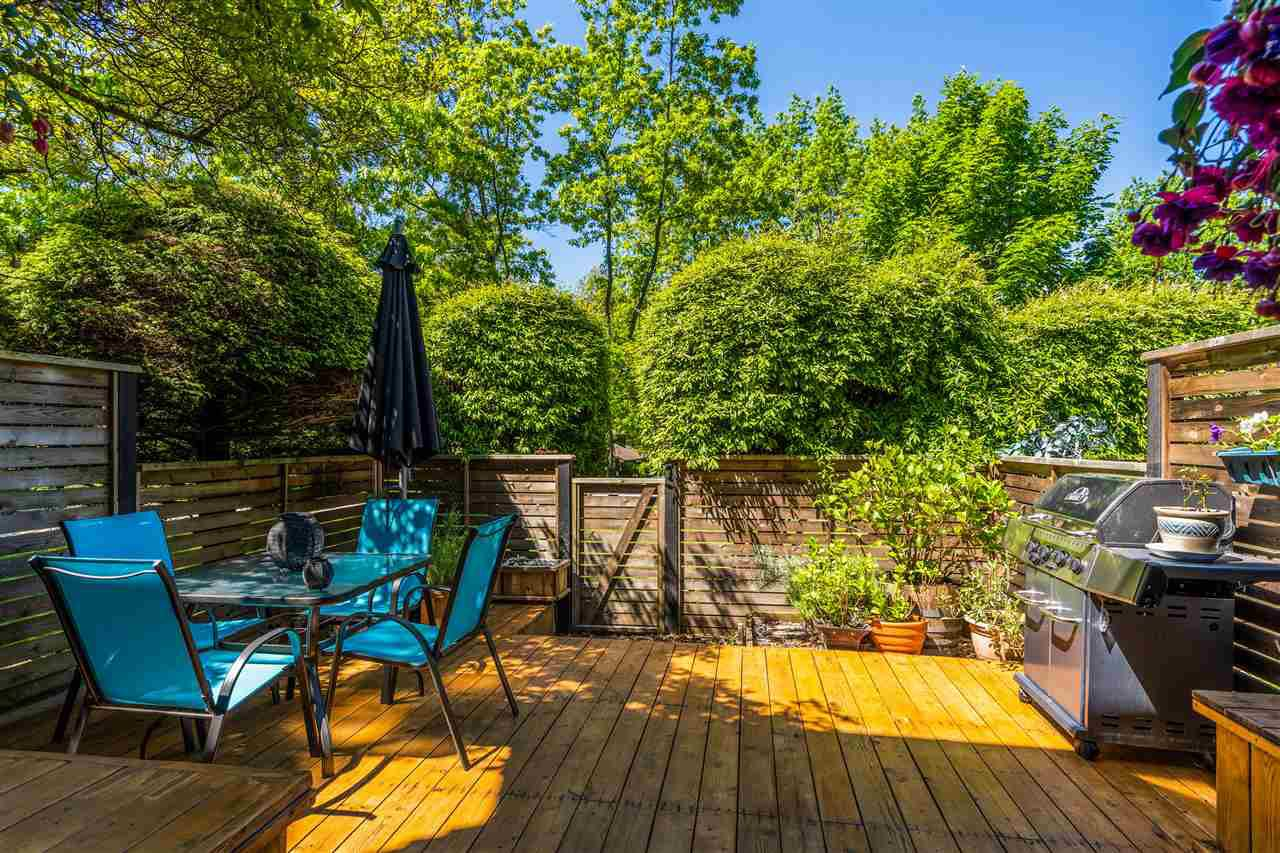 """Main Photo: 32 1910 CEDAR VILLAGE Crescent in North Vancouver: Westlynn Townhouse for sale in """"MOUNTAIN ESTATES"""" : MLS®# R2380112"""