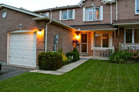 Main Photo: 14 Hillhurst Crest in Clarington: Courtice House (2-Storey) for sale : MLS®# E2817073
