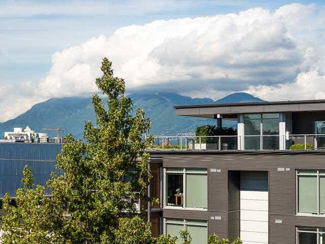 """Main Photo: 317 237 E 4TH Avenue in Vancouver: Mount Pleasant VE Condo for sale in """"ARTWORKS"""" (Vancouver East)  : MLS®# V1143418"""