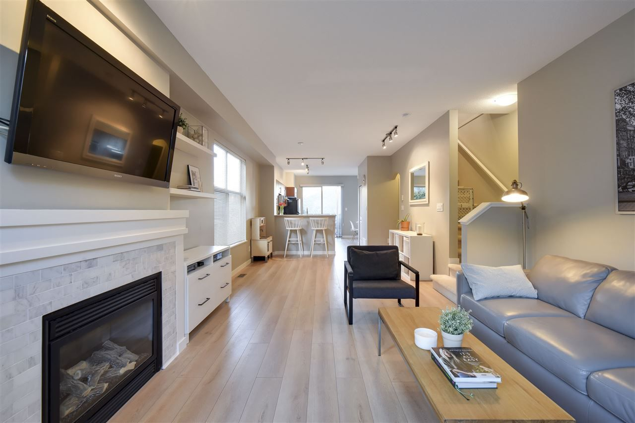 """Main Photo: 101 15152 62A Avenue in Surrey: Sullivan Station Townhouse for sale in """"Uplands"""" : MLS®# R2146193"""