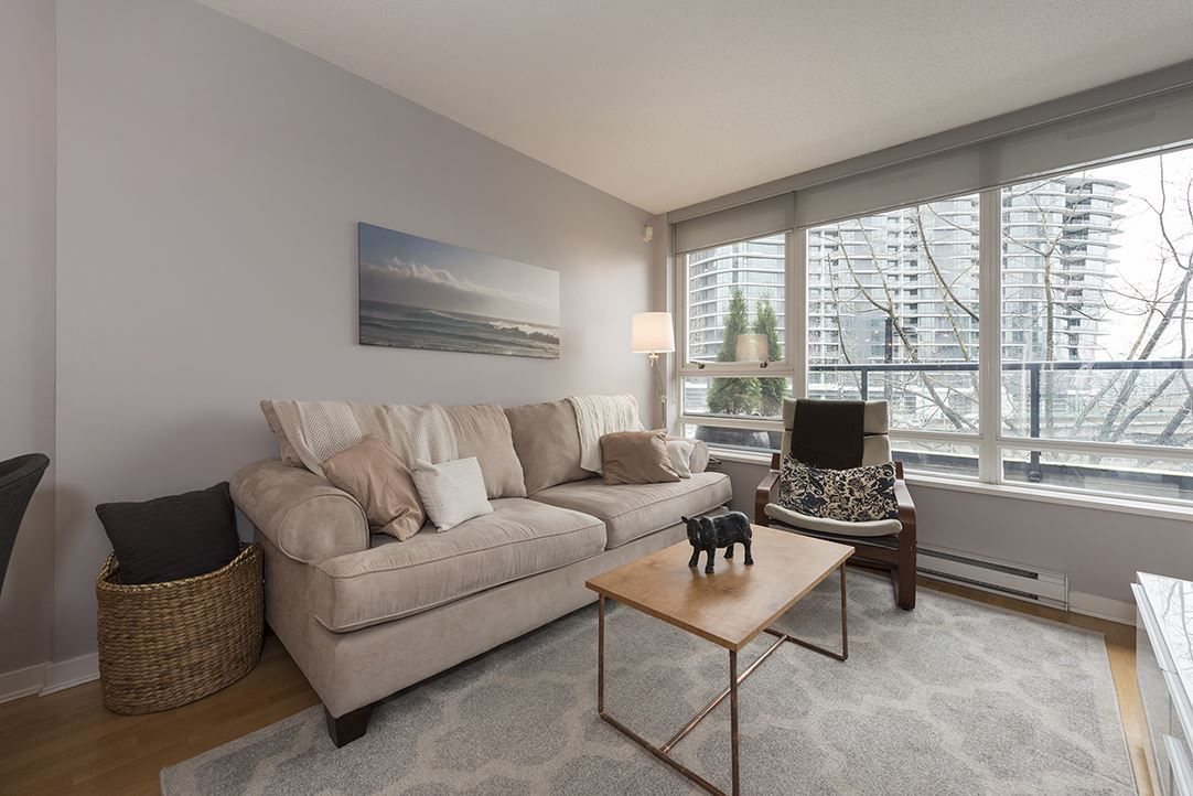 "Main Photo: 303 939 EXPO Boulevard in Vancouver: Yaletown Condo for sale in ""The MAX II"" (Vancouver West)  : MLS®# R2148534"