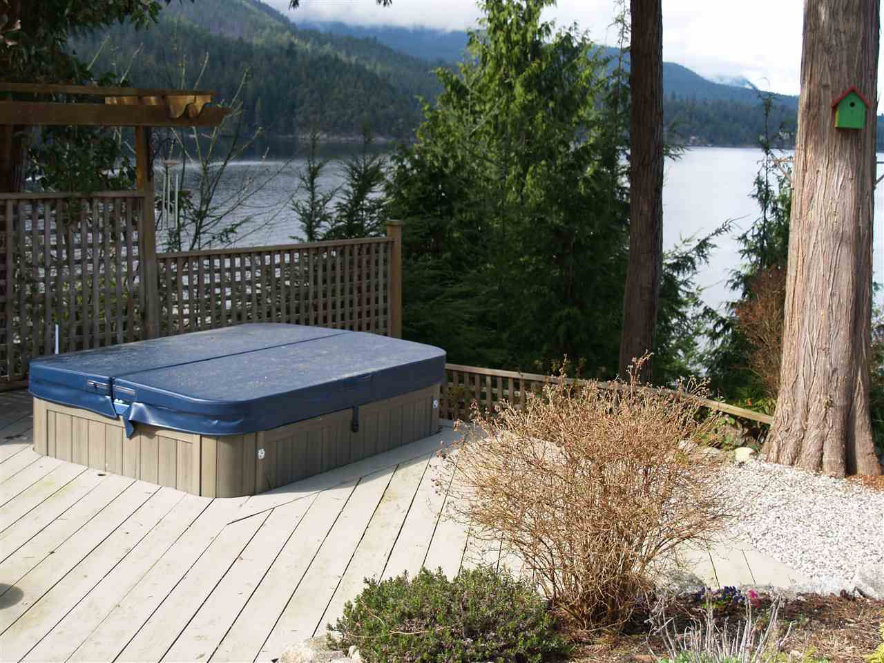 """Photo 7: Photos: 6478 N GALE Avenue in Sechelt: Sechelt District House for sale in """"THE SHORES"""" (Sunshine Coast)  : MLS®# R2201773"""