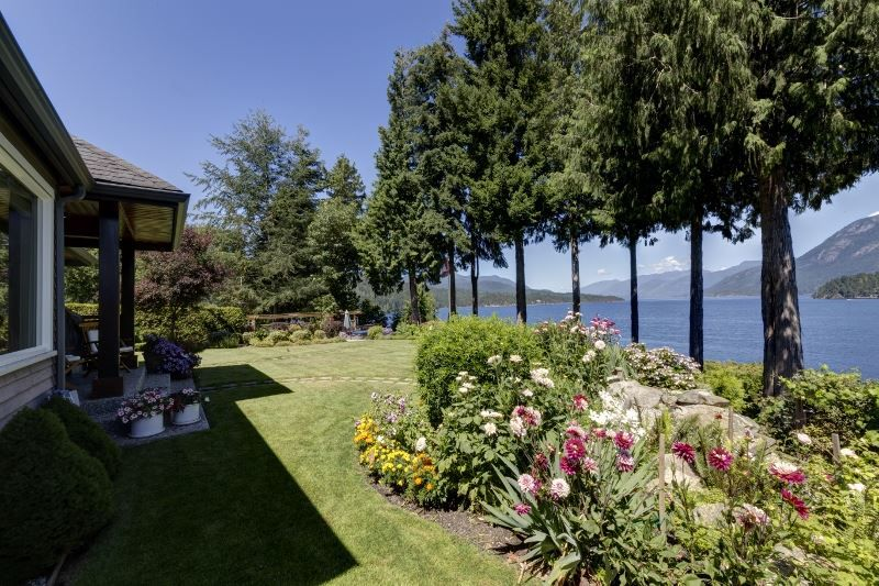 """Photo 5: Photos: 6478 N GALE Avenue in Sechelt: Sechelt District House for sale in """"THE SHORES"""" (Sunshine Coast)  : MLS®# R2201773"""
