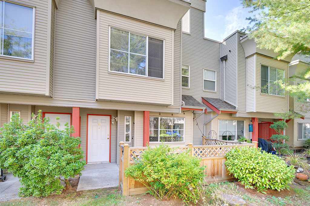 Main Photo: 30 12449 191 Street in Pitt Meadows: Mid Meadows Townhouse for sale : MLS®# R2204731