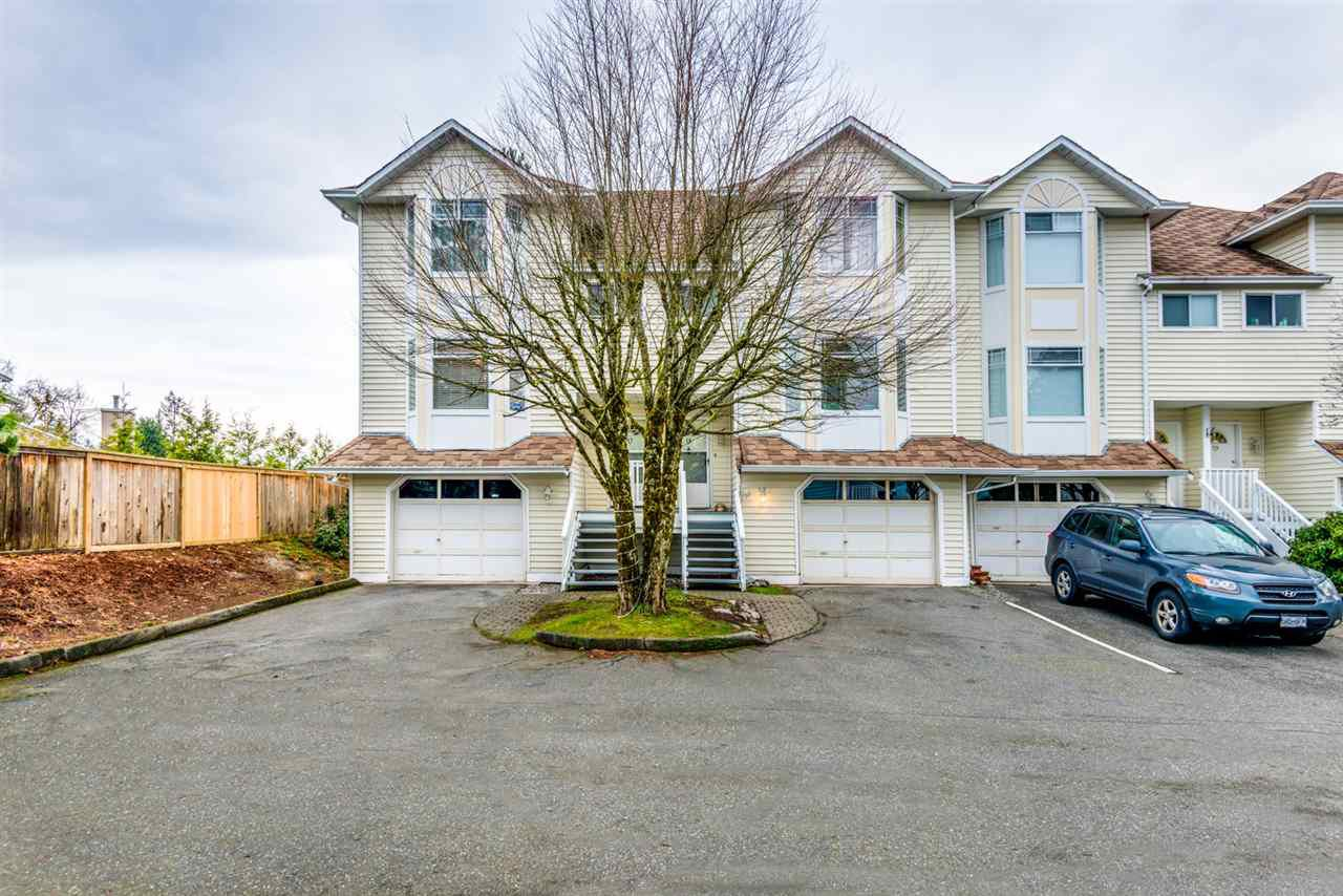 "Main Photo: 17 15550 89 Avenue in Surrey: Fleetwood Tynehead Townhouse for sale in ""BARKERVILLE"" : MLS®# R2335848"