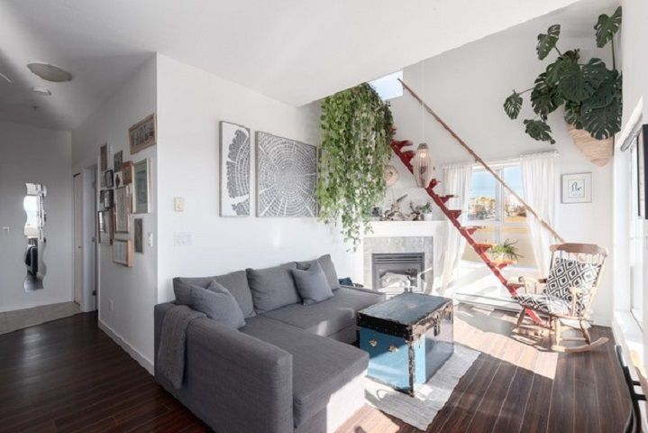 """Main Photo: 407 3768 HASTINGS Street in Burnaby: Willingdon Heights Condo for sale in """"THE HEIGHTS"""" (Burnaby North)  : MLS®# R2345376"""
