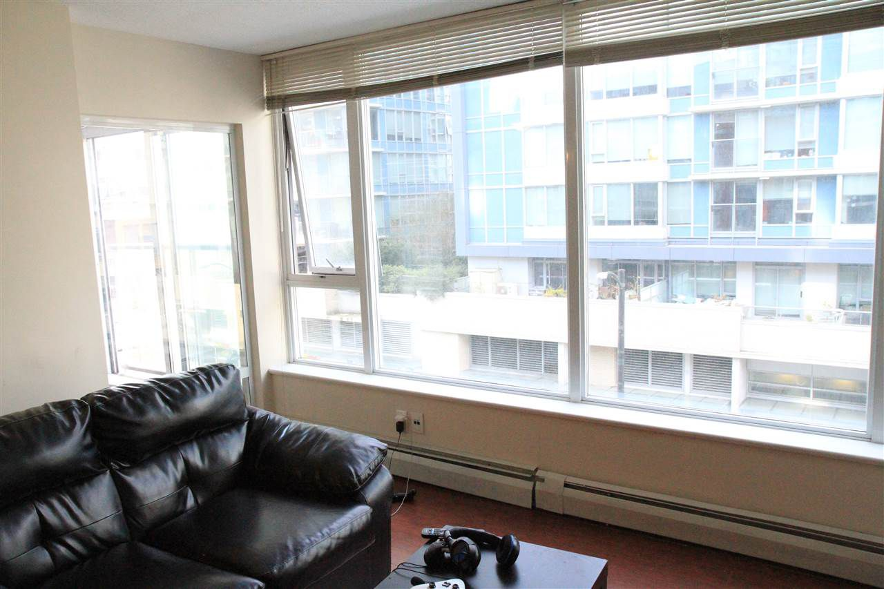 """Photo 6: Photos: 507 618 ABBOTT Street in Vancouver: Downtown VW Condo for sale in """"FIRENZE"""" (Vancouver West)  : MLS®# R2355051"""