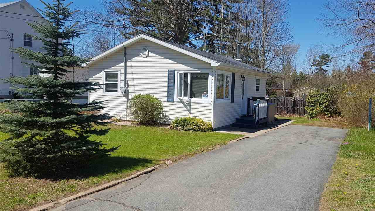 Main Photo: 643 ALDRED Drive in Greenwood: 404-Kings County Residential for sale (Annapolis Valley)  : MLS®# 201909919