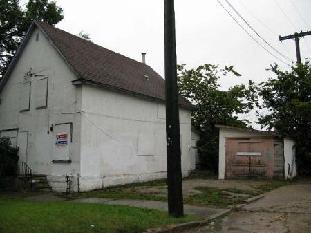 Main Photo: 201 Powers Street: Condominium for sale (Canada)  : MLS®# 2818085