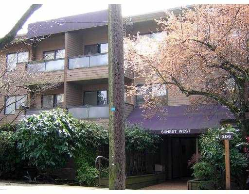 """Main Photo: 214 2190 W 7TH AV in Vancouver: Kitsilano Condo for sale in """"SUNSET WEST"""" (Vancouver West)  : MLS®# V583438"""