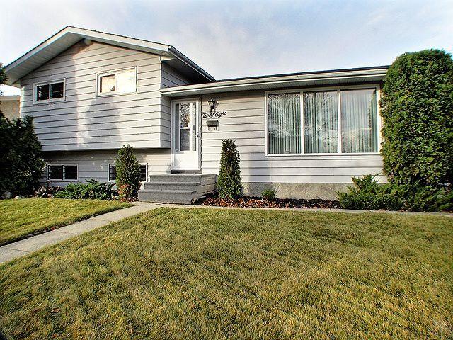 Main Photo: 38 Kirk Crescent in Winnipeg: Maples / Tyndall Park Residential for sale ()  : MLS®# 1221684