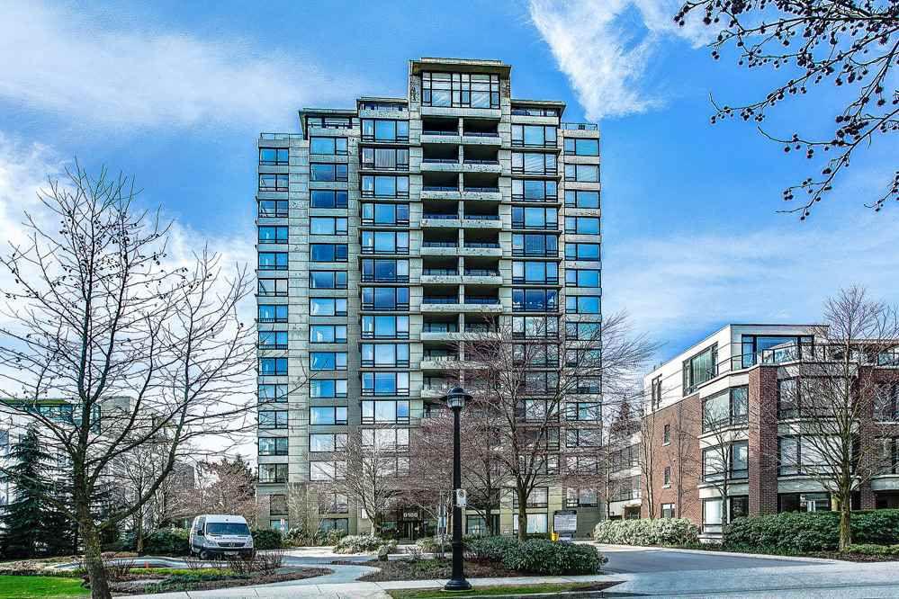 "Main Photo: 1705 9188 HEMLOCK Drive in Richmond: McLennan North Condo for sale in ""HAMPTONS PARK"" : MLS®# R2148391"