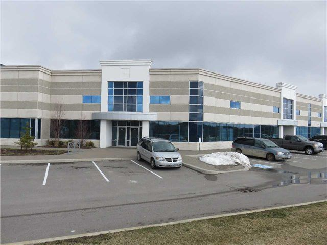 Main Photo: 595 Cityview Blvd in Vaughan: Maple Commercial for sale