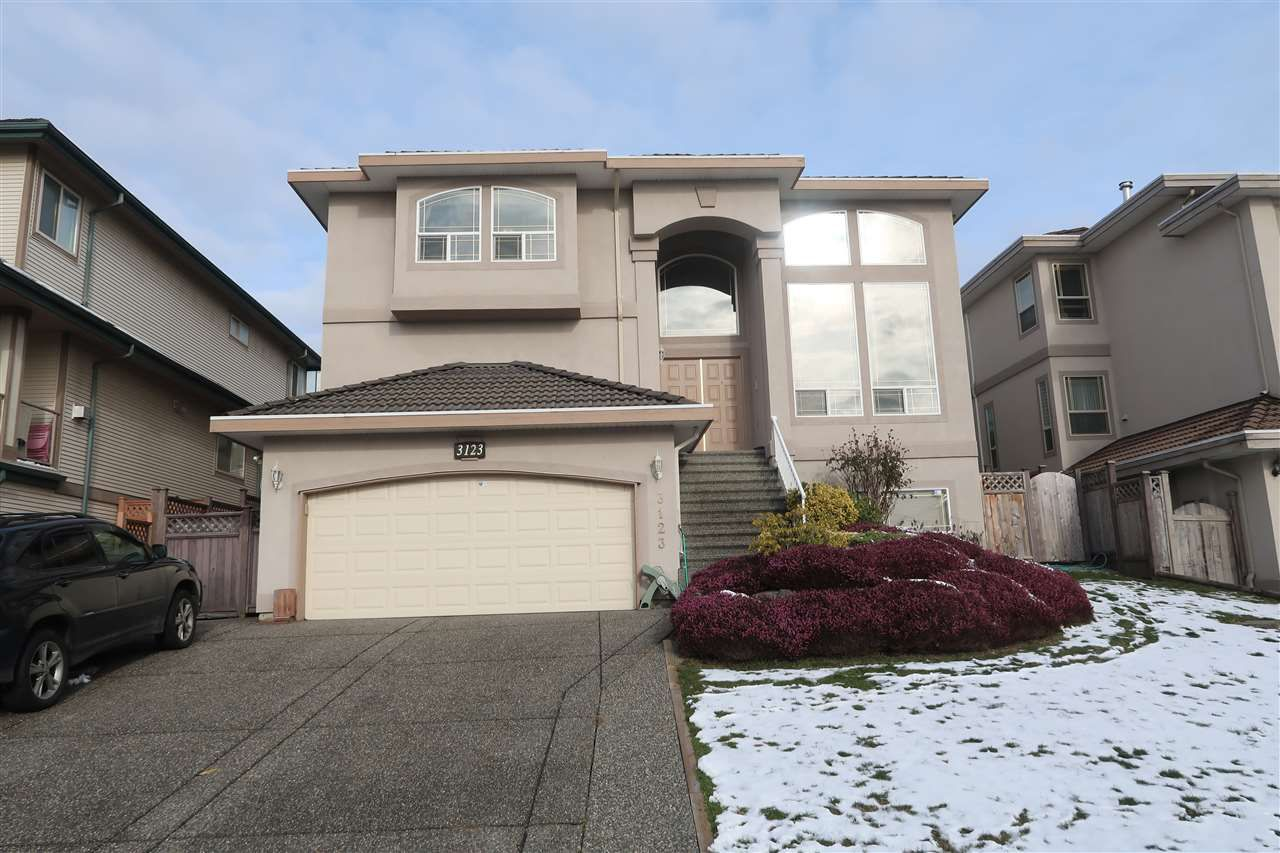 Main Photo: 3123 SILVERTHRONE Drive in Coquitlam: Westwood Plateau House for sale : MLS®# R2239358