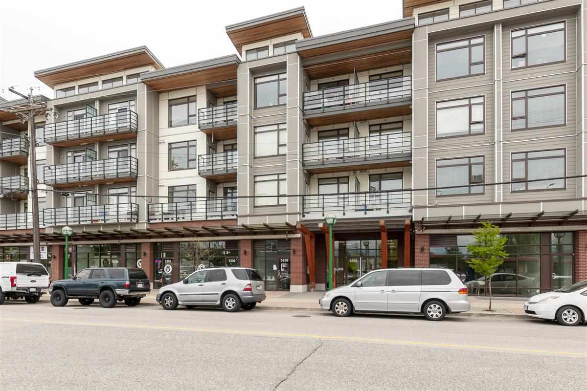 Main Photo: PH05 5288 GRIMMER Street in Burnaby: Metrotown Condo for sale (Burnaby South)  : MLS®# R2264907