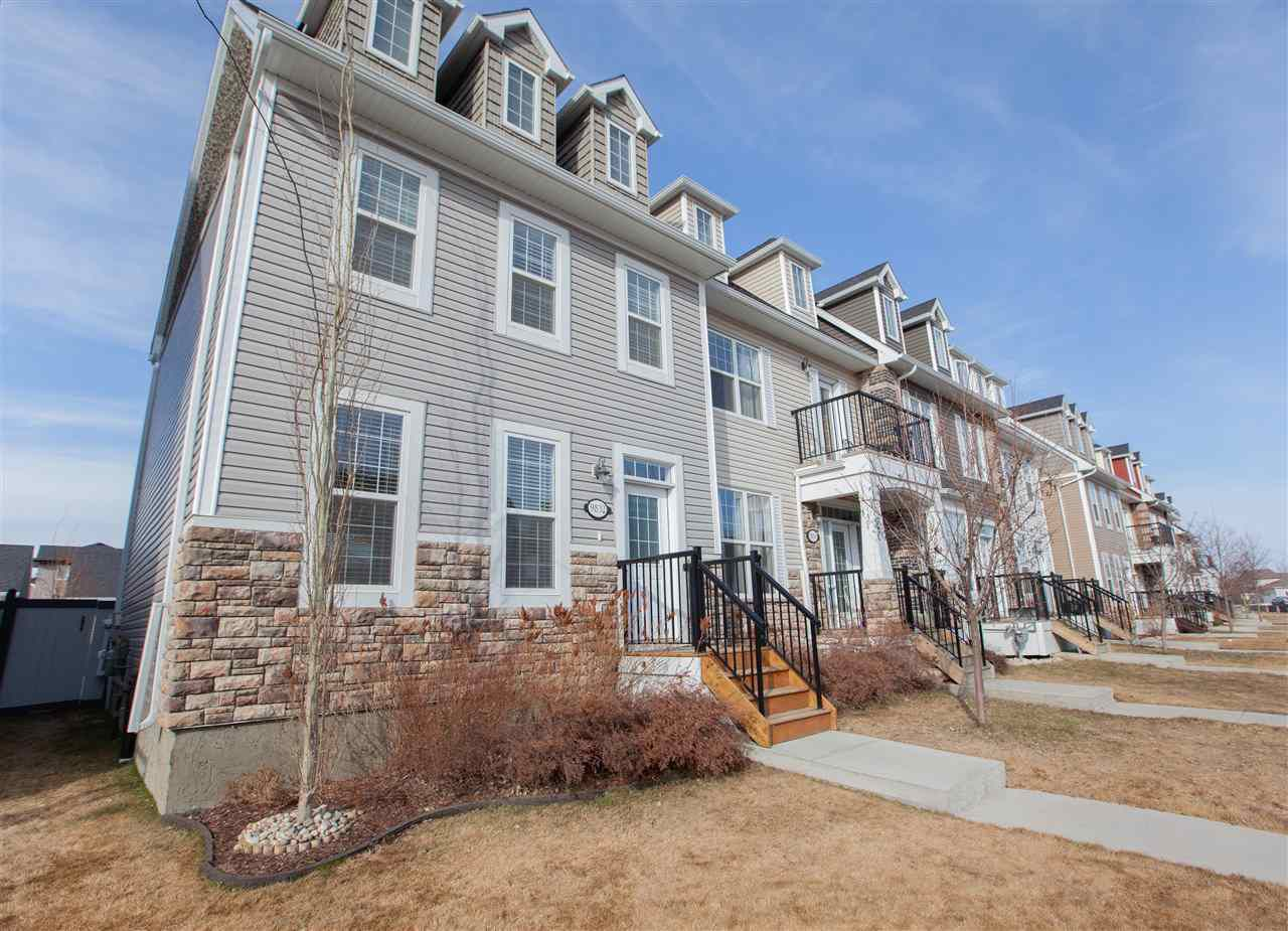 Main Photo: 9832 105 Avenue: Morinville Attached Home for sale : MLS®# E4150801