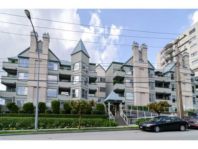"Main Photo: 107 509 CARNARVON Street in New Westminster: Downtown NW Condo for sale in ""HILLSIDE PLACE"" : MLS®# V1063206"