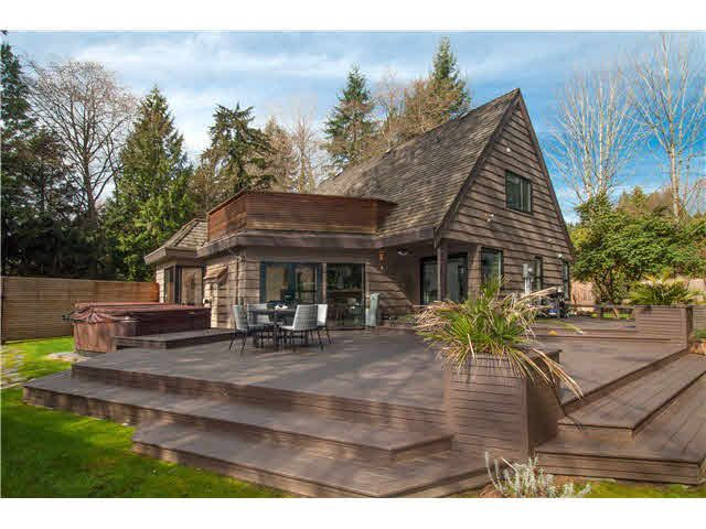 Main Photo: 485 NEWLANDS Road in West Vancouver: Cedardale House for sale : MLS®# V1111019
