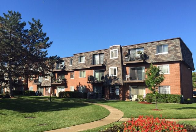 Main Photo: 9370 Bay Colony Drive Unit 3N: Des Plaines Condo, Co-op, Townhome for sale ()  : MLS®# 09127132