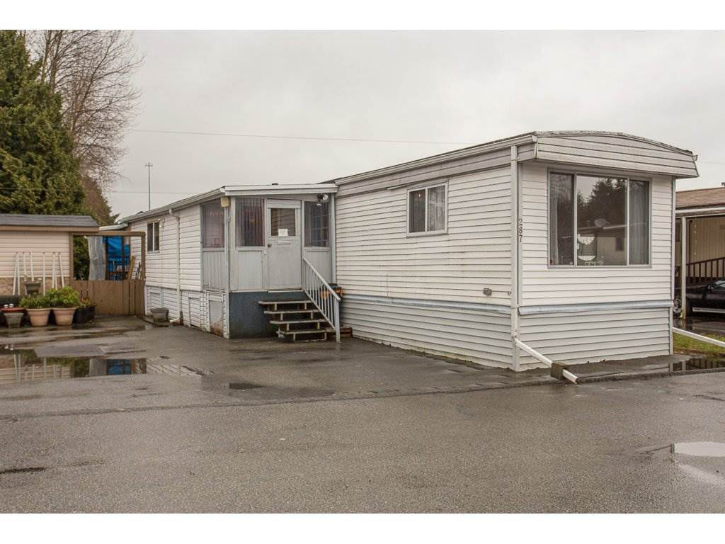 "Main Photo: 287 201 CAYER Street in Coquitlam: Maillardville Manufactured Home for sale in ""WILDWOOD MANUFACTURED HOME PARK"" : MLS®# R2147510"