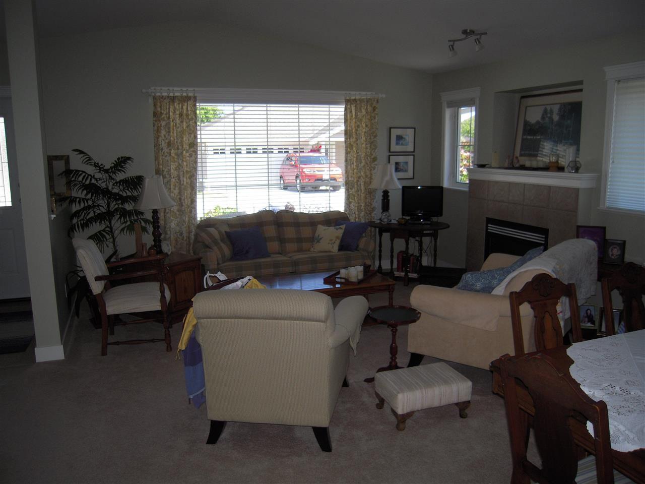 Photo 11: Photos: 5735 EMILY Way in Sechelt: Sechelt District House for sale (Sunshine Coast)  : MLS®# R2179124