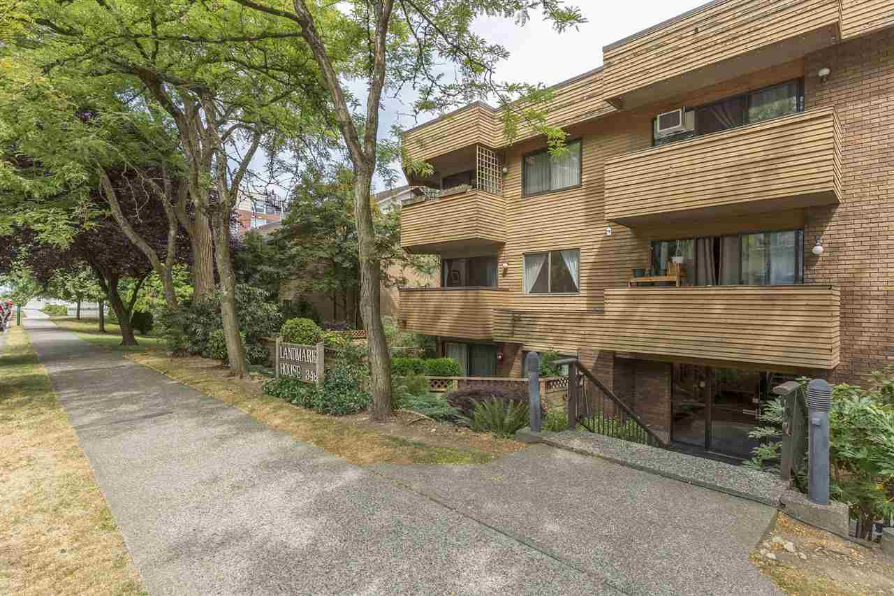 """Main Photo: 206 349 E 6TH Avenue in Vancouver: Mount Pleasant VE Condo for sale in """"LANDMARK HOUSE"""" (Vancouver East)  : MLS®# R2192063"""