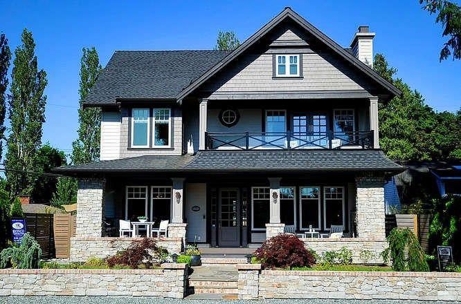 "Main Photo: 2830 GORDON Avenue in Surrey: Crescent Bch Ocean Pk. House for sale in ""Crescent beach"" (South Surrey White Rock)  : MLS®# R2224688"