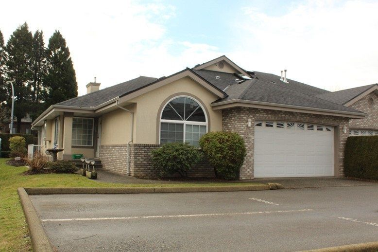 Main Photo: 2 32777 CHILCOTIN Drive in Abbotsford: Central Abbotsford Townhouse for sale : MLS®# R2234145