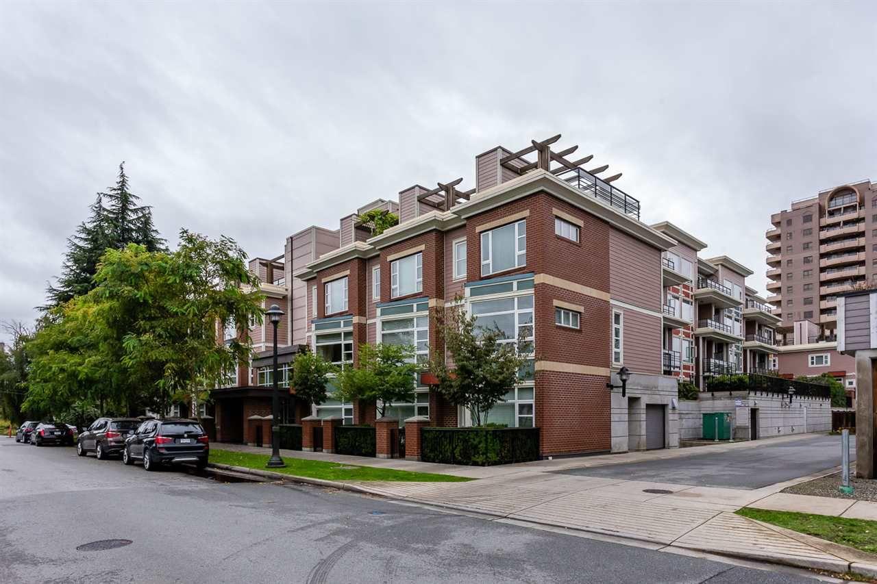 "Main Photo: 305 6611 ECKERSLEY Road in Richmond: Brighouse Condo for sale in ""Modena"" : MLS®# R2308791"
