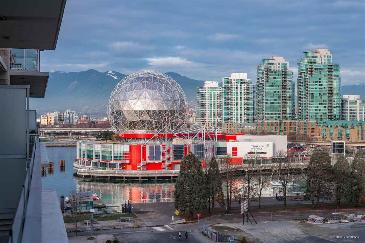 "Main Photo: 708 1633 ONTARIO Street in Vancouver: False Creek Condo for sale in ""KAYAK"" (Vancouver West)  : MLS®# R2333563"