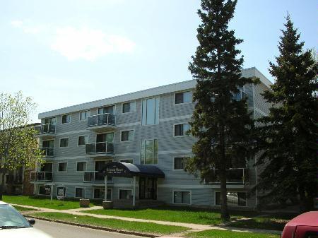 Main Photo: 4th Floor in Premium Condo Complex - Excellent Investment!