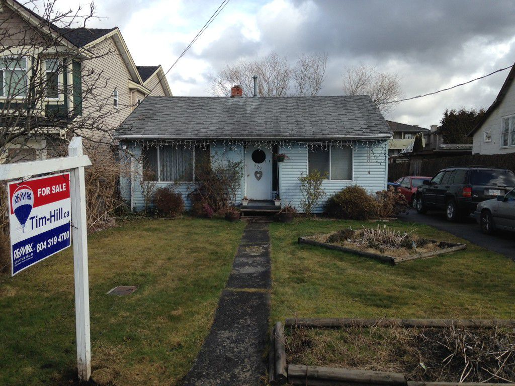 Main Photo: 229 DAWE ST in New Westminster: Queensborough House for sale : MLS®# V1045993