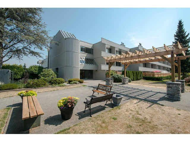 """Main Photo: 310 15282 19 Avenue in Surrey: King George Corridor Condo for sale in """"Parkview"""" (South Surrey White Rock)  : MLS®# F1444906"""