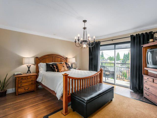 Photo 11: Photos: 515 E 18TH Street in NORTH VANC: Boulevard House for sale (North Vancouver)  : MLS®# V1142603