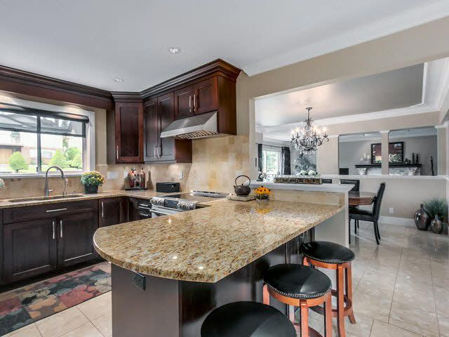 Photo 3: Photos: 515 E 18TH Street in NORTH VANC: Boulevard House for sale (North Vancouver)  : MLS®# V1142603