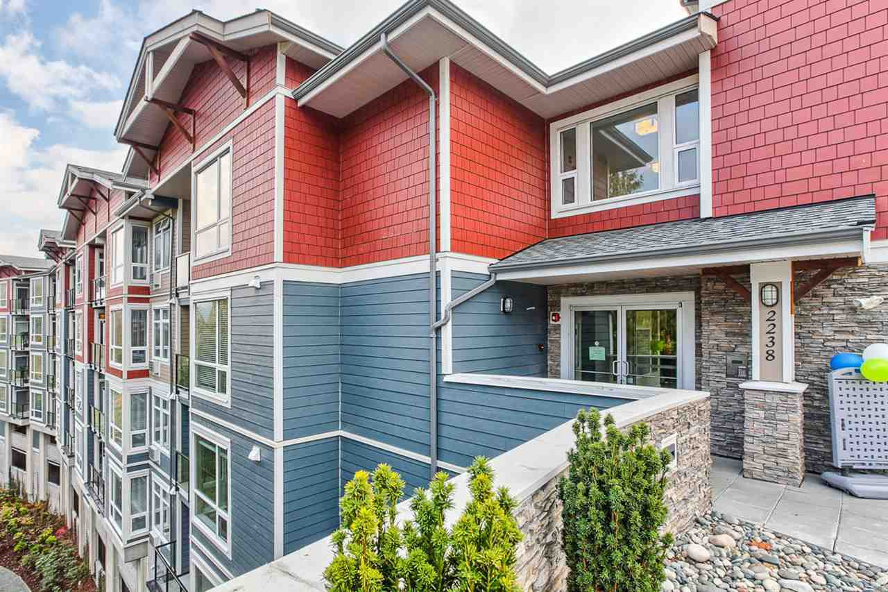 """Main Photo: 410 2242 WHATCOM Road in Abbotsford: Abbotsford East Condo for sale in """"WATERLEAF"""" : MLS®# R2017441"""