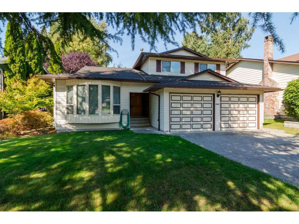 "Main Photo: 20489 TELEGRAPH Trail in Langley: Walnut Grove House for sale in ""WALNUT GROVE"" : MLS®# R2107399"