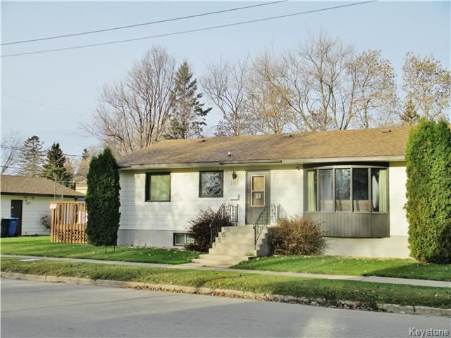 Main Photo: 101 6th Avenue Northwest in Dauphin: R30 Residential for sale (R30 - Dauphin and Area)  : MLS®# 1626382